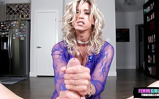 Horny Amateur Tgirl Glamgurl XOXO Sucks Huge Cock